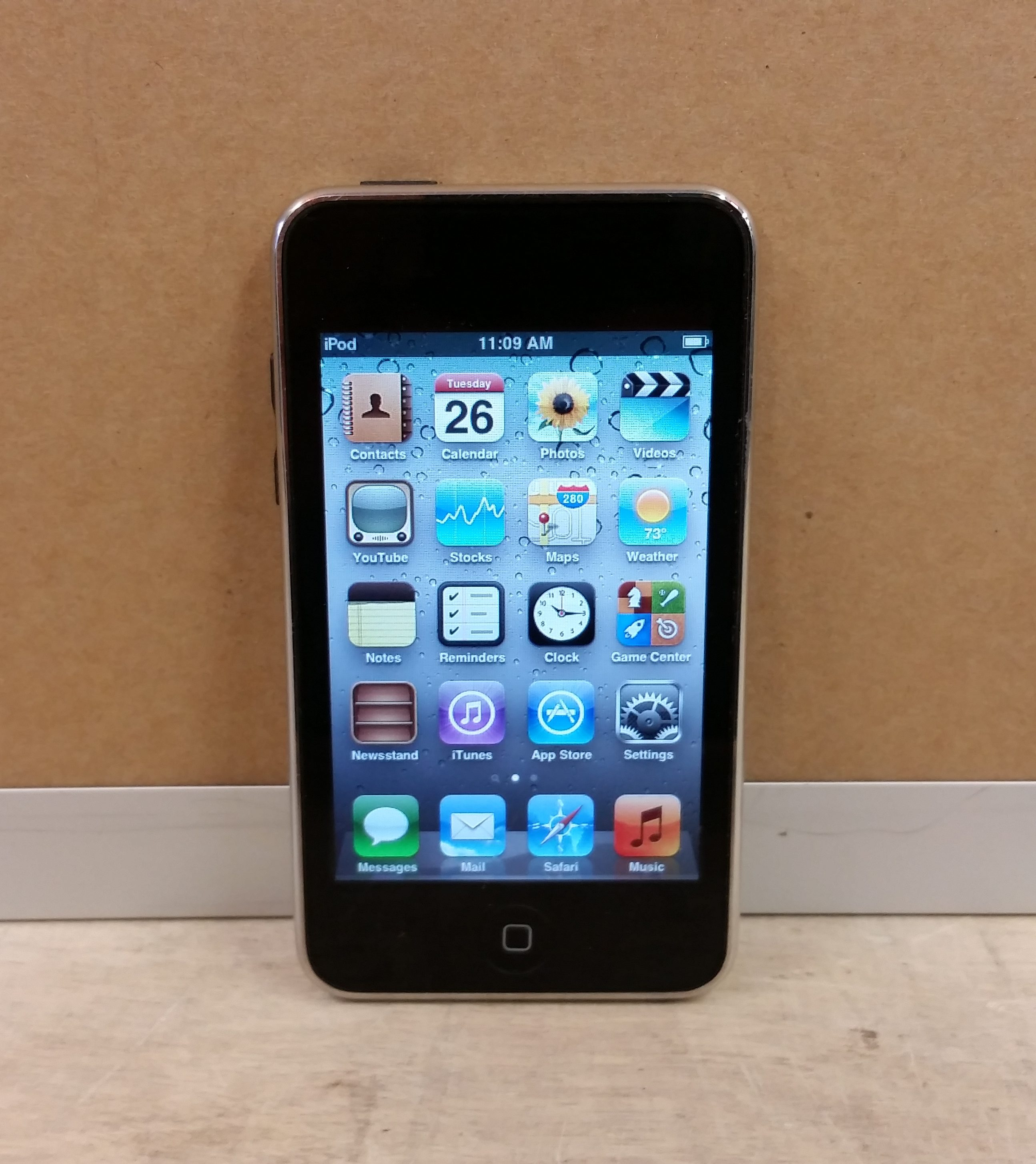 Apple iPod Touch 3rd Gen A1318 32GB Used – Buy-Sell ...